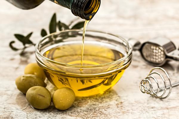 Tuky a oleje - Chutná Dieta